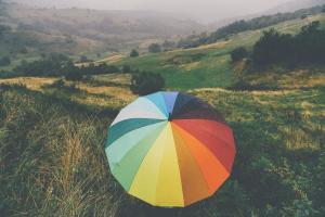 Kleurencirkel-parasol-helpt-verfkleuren-kiezen