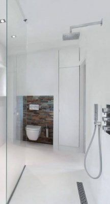 badkamer-met-witte-gietvloer-op-vloer