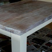 tafel-in-kalkwas-white-wash