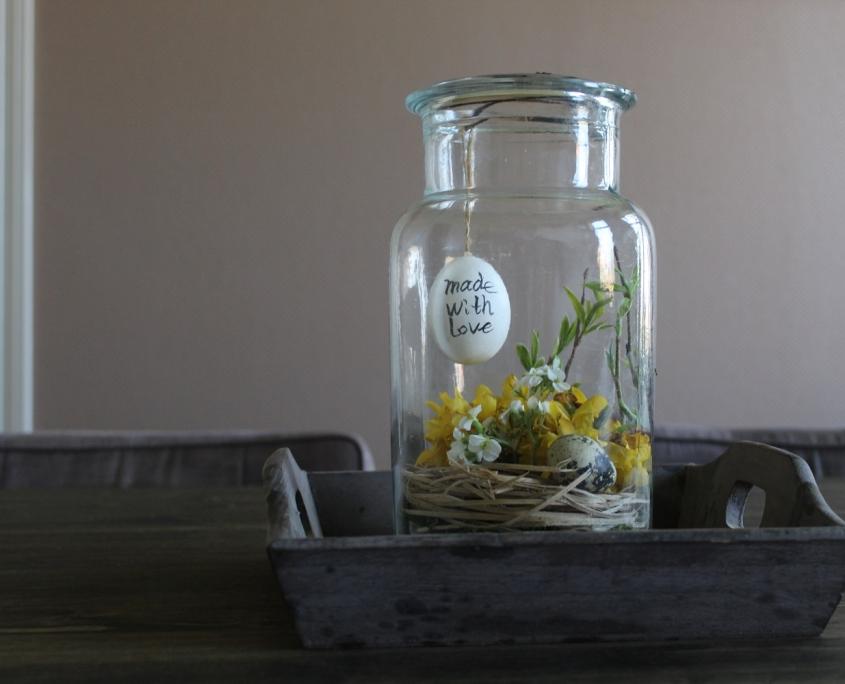 Paasdecoratie met eitjes